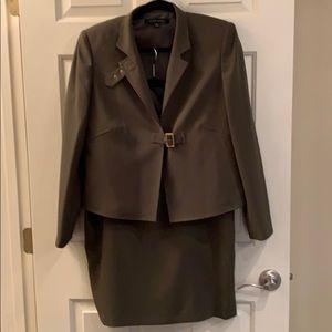 Anne Klein Blazer/skirt suit